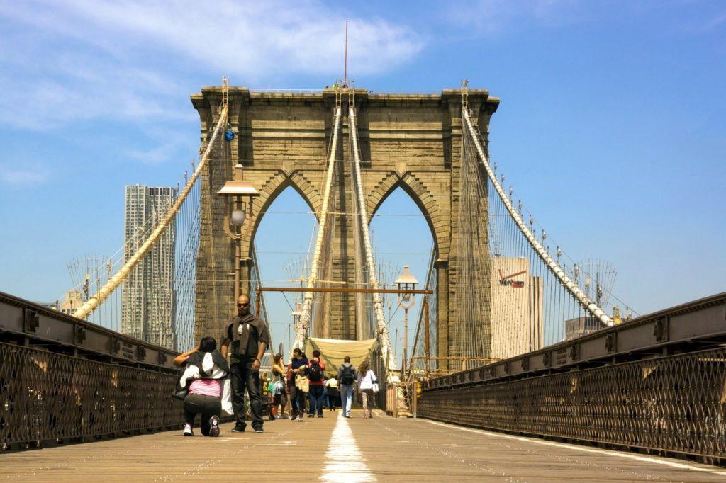 camminare piedi ponte di brooklyn